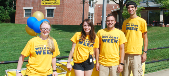 Current students and alumni ready to help you move in!