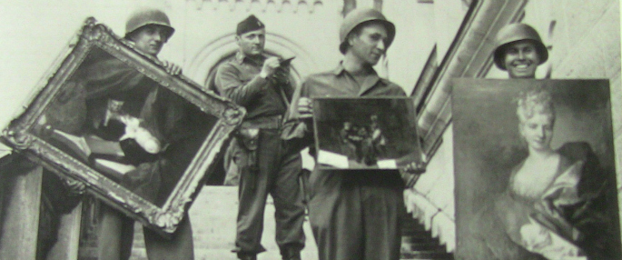Photo of US army division reclaiming works of art in WWII