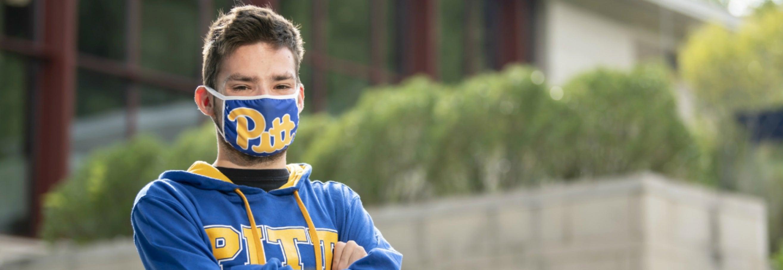 Student wearing Pitt mask