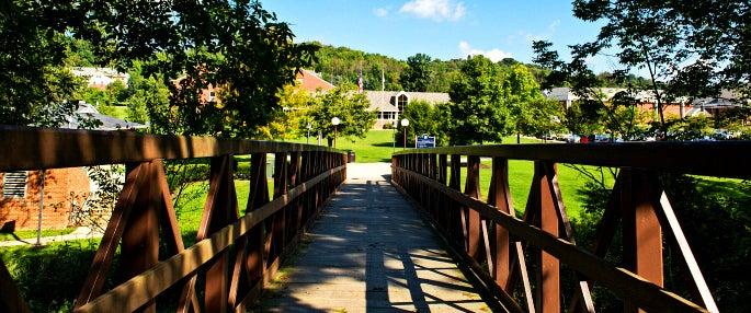 Scenic Pitt-Greensburg foliage